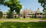 The Pillsbury Mansion (photo -- Zillow)
