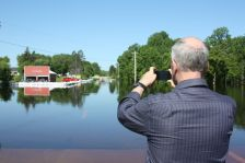 mark dayton tour northern minnesota flood international falls