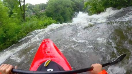 kayaker minnehaha falls ss crop