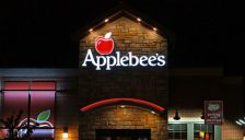 Applebee's_Restaurant-crop