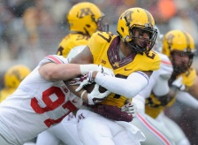 "Gophers running back David Cobb remains ""very questionable"" for Saturday's game against Badgers."