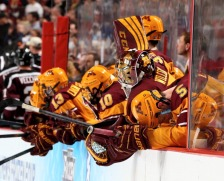 Gopher hockey slips to fourth in latest poll