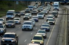 traffic semi truck cars city driving rush hour minneapolis st. saint paul 94 i94 green