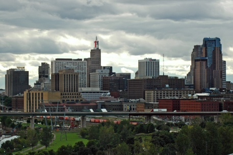 St. saint paul skyline city green