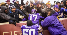 Vikings celebrate (Vikings.com) SAFE with credit 2014-12-18 at 7.36.41 PM