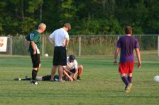 photo of soccer player: study says less rest is better for concussion patients