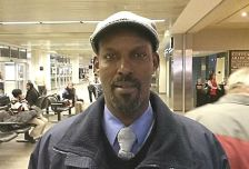 Ibrahim Mohamed, an employee at the Minneapolis-St. Paul airport, has been appointed to the Metropolitan Airports Commission.