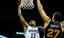 Andrew Wiggins Dunk (Timberwolves Twitter) 2015-03-30 at 7.48.26 PM