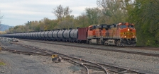 iStock OK TO REUSE _bnsf-oil-train-crude-rail