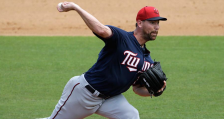 Mike Pelfrey (MN Twins Twitter)  2015-03-23 at 6.42.00 PM