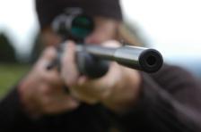 iStock_gun-silencer-suppressor