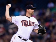 MINNEAPOLIS, MN - MAY 26: Mike Pelfrey #37 of the Minnesota Twins delivers a pitch against the Boston Red Sox during the first inning of the game on May 26, 2015 at Target Field in Minneapolis, Minnesota. (Photo by Hannah Foslien/Getty Images)