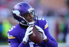 MINNEAPOLIS, MN - NOVEMBER 30: Teddy Bridgewater #5 of the Minnesota Vikings warms up pre-game against the Carolina Panthers on November 30, 2014 at TCF Bank Stadium in Minneapolis, Minnesota. (Photo by Adam Bettcher/Getty Images)