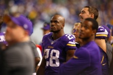 MINNEAPOLIS, MN - OCTOBER 27:  Adrian Peterson #28 of the Minnesota Vikings on the sidelines against the Green Bay Packers on October 27, 2013 at Mall of America Field at the Hubert Humphrey Metrodome in Minneapolis, Minnesota. (Photo by Adam Bettcher/Getty Images)