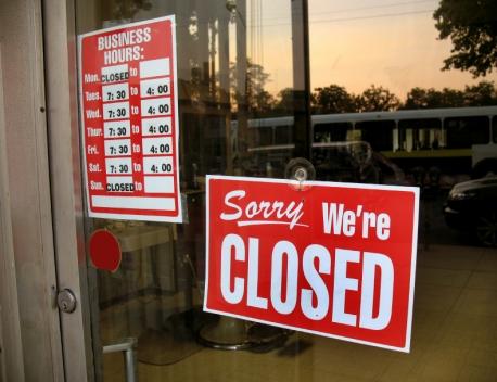 iStock_closed-sign