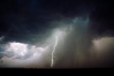 iStock_thunder-lightning-storm