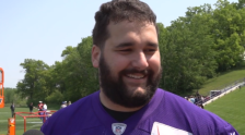 Matt Kalil (Vikings.com) 2015-05-27 at 4.04.13 PM