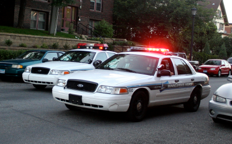 minneapolis-police-squad-car