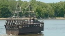 pirate ship mississippi river