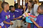 Sarah Jessica Parker shakes hands with students at Bethune Elementary in Minneapolis on May 18, 2015.