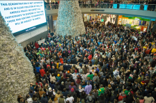 black-lives-matter-protest-mall-of-america-crowd-1