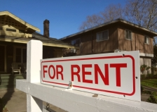 istock OK TO REUSE _for-rent-sign0apatrtments-house-rental