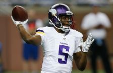 DETROIT, MI - DECEMBER 14: Teddy Bridgewater #5 of the Minnesota Vikings throws a second quarter pass against the Detroit Lions at Ford Field on December 14, 2014 in Detroit, Michigan. (Photo by Gregory Shamus/Getty Images)