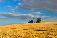 iStock_combine-farm