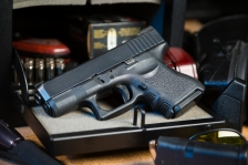 iStock_handgun_available for reuse