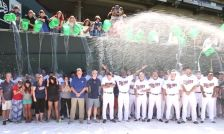 The Minnesota Twins take the Ice Bucket Challenge on Aug. 15, 2015.