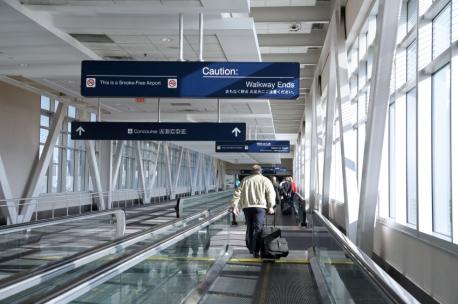 iStock_msp-airport-moving-walkway