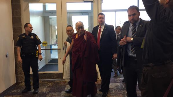 Dalai Lama set to leave Minnesota, meets with local Tibetans ...