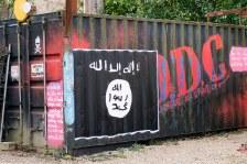 flickr_islamic-state-flag-graffiti