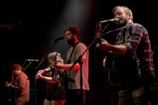 800px-Trampled_by_Turtles-10