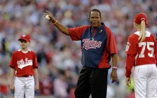 Former Minnesota Twins player, Rod Carew prepares to throw the first pitch before the MLB All-Star baseball game, Tuesday, July 15, 2014, in Minneapolis. (AP Photo/Jeff Roberson)