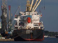 The cargo ship Cornelia at a stop in Antwerp, Belgium (Photo: Alf van Beem vie Wikimedia Commons)