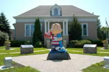 Linus Statue