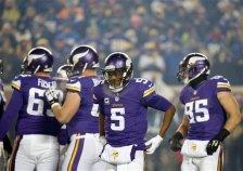Minnesota Vikings quarterback Teddy Bridgewater (5) stands on the field during the first half of an NFL football game New York Giants, Sunday, Dec. 27, 2015, in Minneapolis. (AP Photo/Ann Heisenfelt)