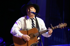 Garth Brooks performs at The Country Music Hall of Fame 2015 Medallion Ceremony at Country Music Hall of Fame and Museum on Sunday, Oct. 25, 2015 in Nashville, Tenn. (Photo by Laura Roberts/Invision/AP)