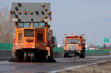 MnDot trucks and lane closure