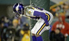 AP Images DO NOT REUSE Randy Moss Moon