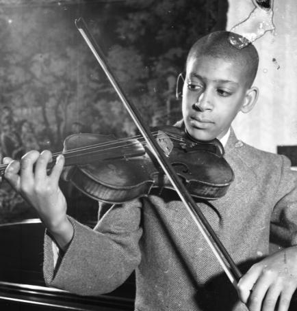 Glanton violinist