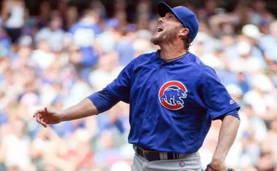 Fowler has 3 hits in return to lift Cubs
