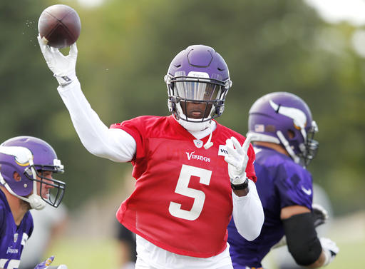 Teddy Bridgewater throwing again at Vikings practice