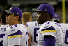 Minnesota Vikings quarterbacks Teddy Bridgewater, right, and Shaun Hill, left, stand on the sideline during the second half of a preseason NFL football game against the Seattle Seahawks, Thursday, Aug. 18, 2016, in Seattle. (AP Photo/John Froschauer)