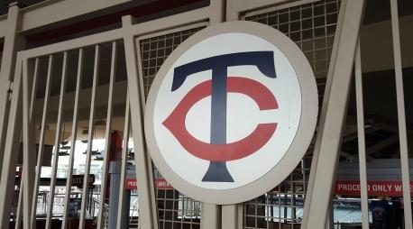 twins-target-field-logo