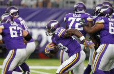 Minnesota Vikings running back Adrian Peterson (28) warms up before an NFL preseason football game against the Los Angeles Rams Thursday, Sept. 1, 2016, in Minneapolis. (AP Photo/Andy Clayton-King)