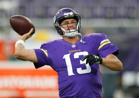 Minnesota Vikings quarterback Shaun Hill warms up before an NFL preseason football game against the Los Angeles Rams Thursday, Sept. 1, 2016, in Minneapolis. (AP Photo/Andy Clayton-King)