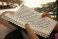 flickr-reading-book-close